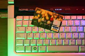 E-commerce a rischio chiusura 12 giorni l'anno